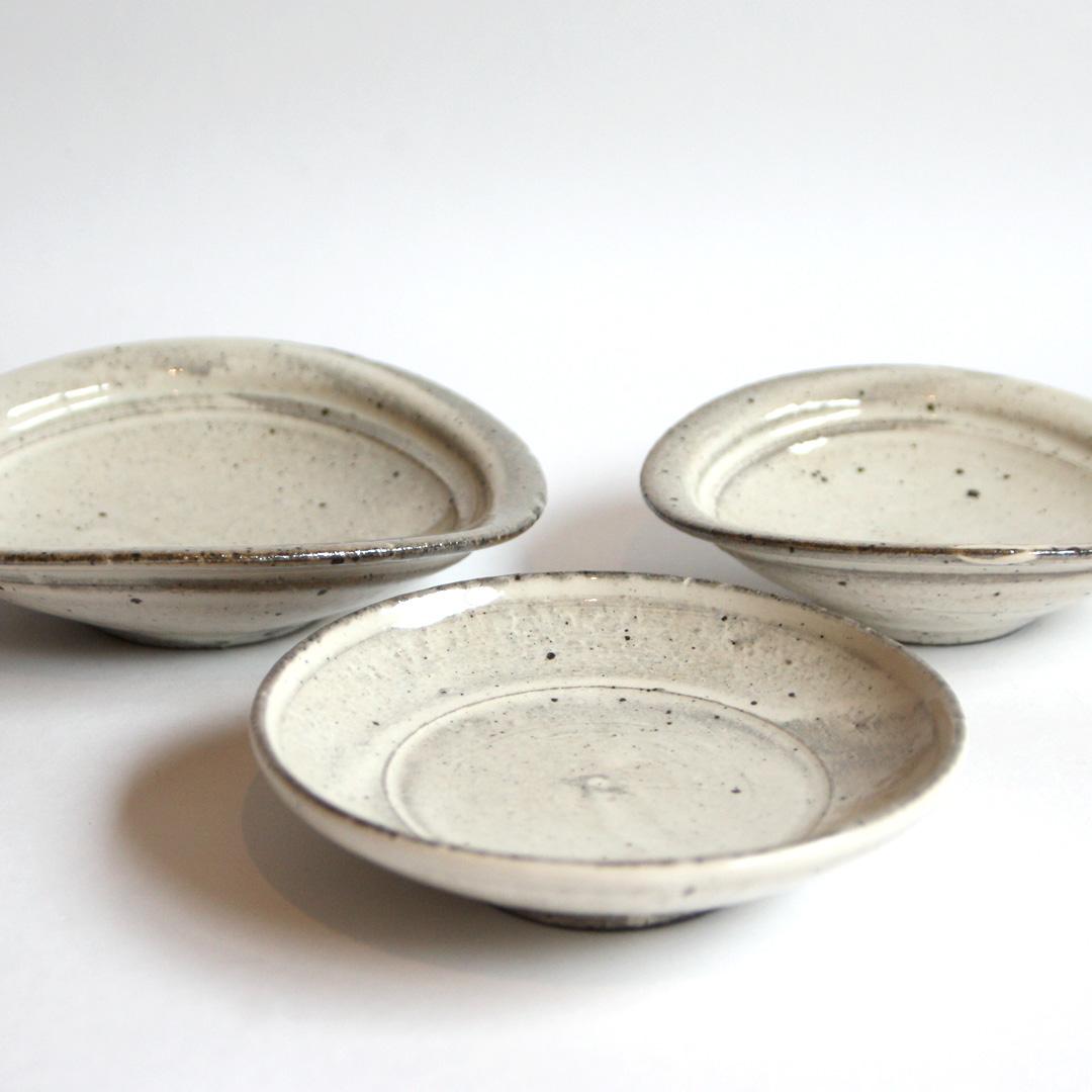 角掛 政志 粉引 たわみ取皿、小皿